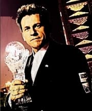 magician Shawn Farquhar with FISM trophy